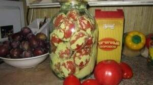 съхранение на цели домати в буркани