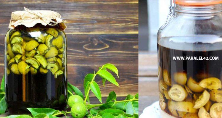 Ликьор от зелени орехчета